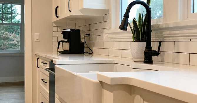 The 3 Most Popular Sinks for Your Kitchen Remodel image